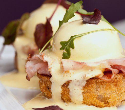Classic Canadian Bacon Eggs Benedict | Eggcellent | Pinterest