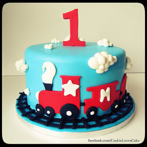 Images Of Train Birthday Cakes : First birthday Train cake Cakes Pinterest