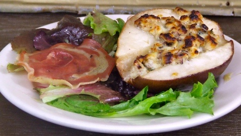 Gorgonzola and Hazelnut Stuffed Pears with Pancetta Crisps - I love ...