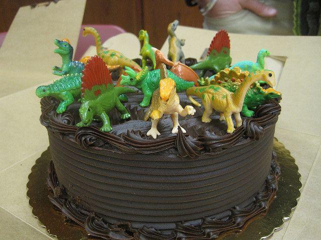 dinosaur cake Cakes Pinterest