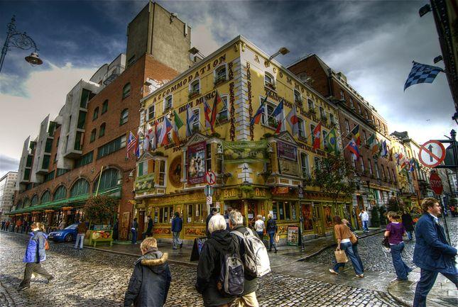 Dublin, Ireland, Temple Bar Area    Photo by wili_hybrid
