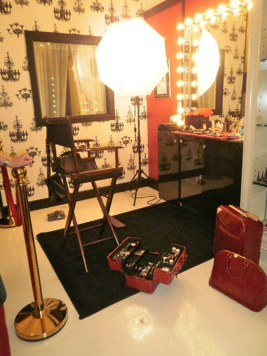 Hollywood inspired makeup room make up room pinterest for Makeup by tiffany d dining room