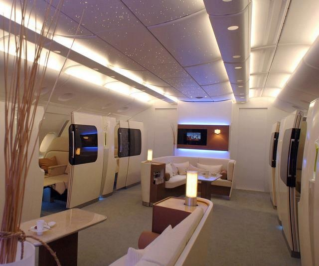 Qantas Airbus A380 First Class SuitesEmirates First Class A380 Suite