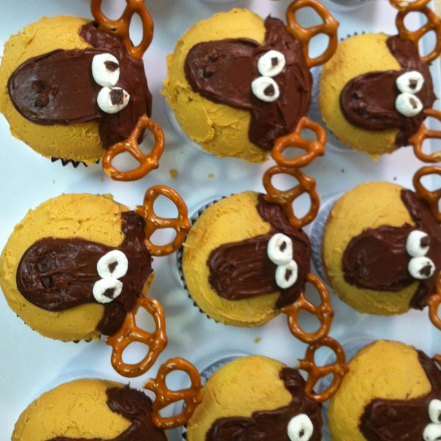 Moose+Cupcakes made moose cupcakes!!!!! | Yummy. | Pinterest