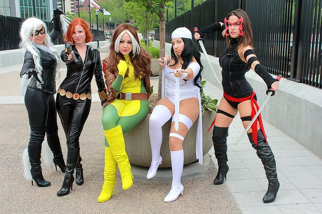Who are cosplayers ?