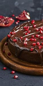 Squidgy chocolate & pomegranate torte - Want to prepare it yourself ...