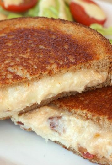 Kentucky Hot Brown Grilled Cheese Sandwich | Recipe