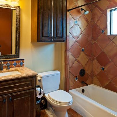 Simple mexican style bathroom mi casa pinterest for Mexican style bathrooms pictures