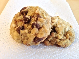 vegan} Coconut Chocolate Chip Cookies | VGN | Pinterest