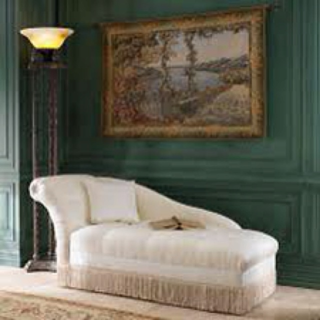 Victorian furniture style long chaise ahh victorian for Victorian age furniture