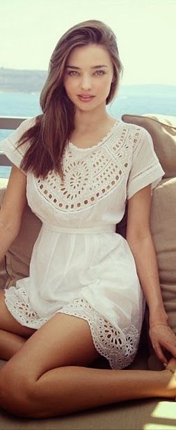 Lovely White Lace Fashion Dress