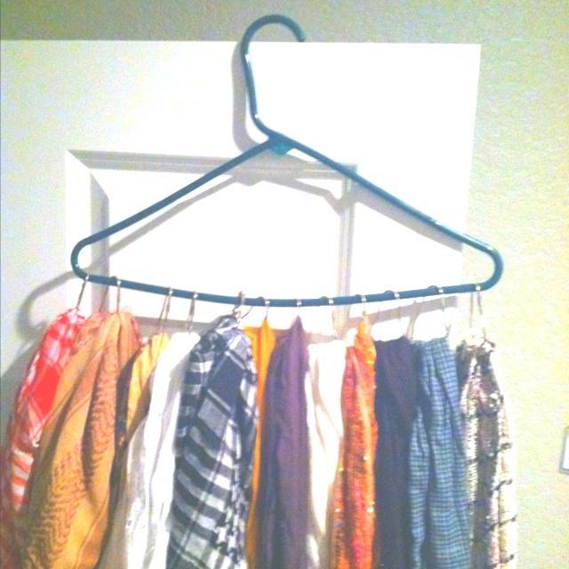 Scarf organizing 1 hanger Multiple shower curtain hooks