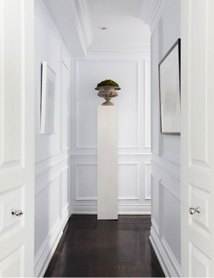 Pedestal in the hallway