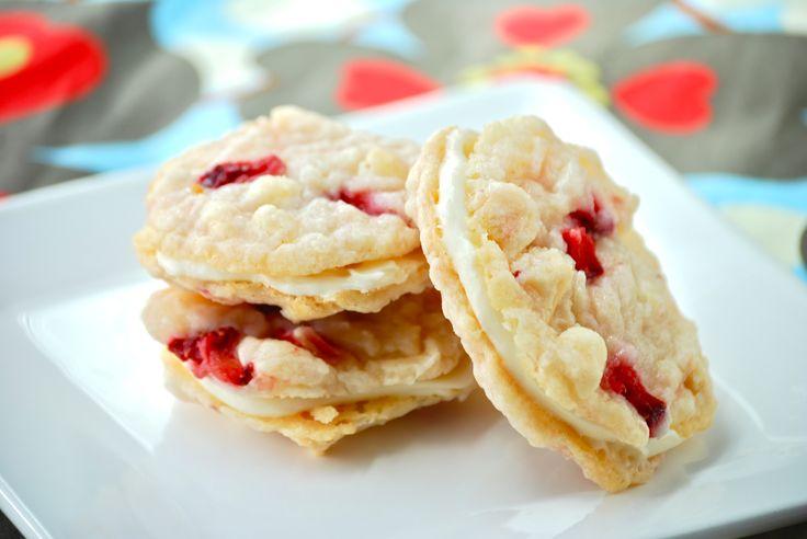 Strawberry Cheesecake Sandwich Cookies | KCK's (Katie's Cookie Kitche...