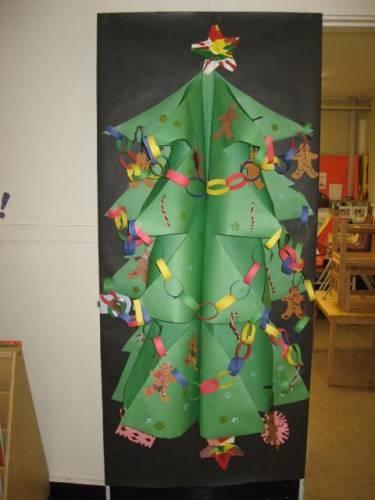 Christmas Door Decorating Classroom | Prek stuff | Pinterest