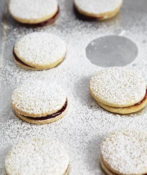 Jam Sandwich Cookies - these are SUPER tasty cookies. Delicate, light ...