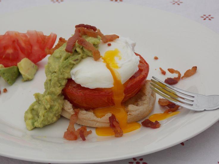 Avocado Sauce Eggs Benedict #avoallstars