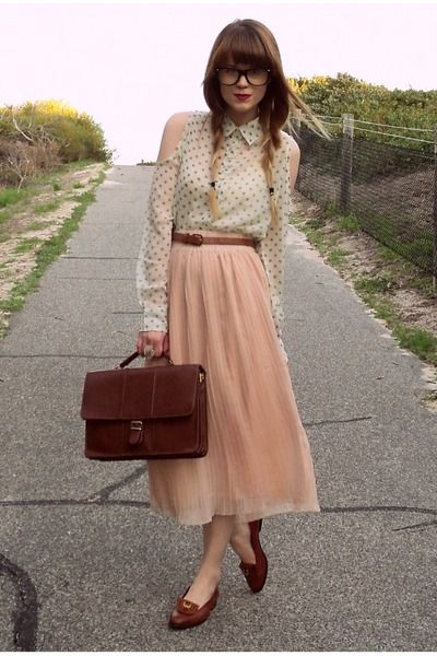 chictopia--the school teacher shows her style--love it.
