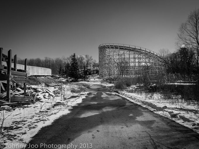 Side view of Geauga Lake's Raging Wolf Bobs wooden roller coaster ...