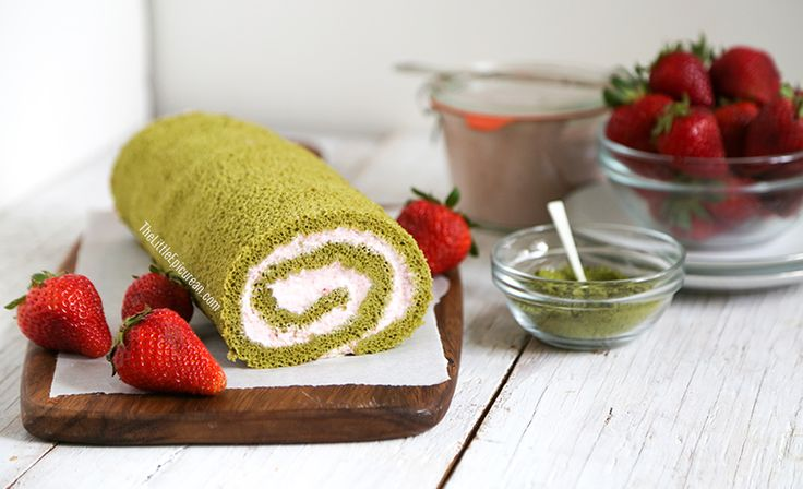 Matcha Green Tea Swiss Roll Cake with Strawberry Mousse