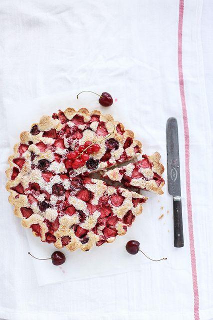 Berry summer cake  http://www.callmecupcake.se