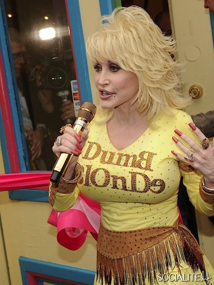 Dolly Parton Photo Gallery and Forum - SuperiorPicscom
