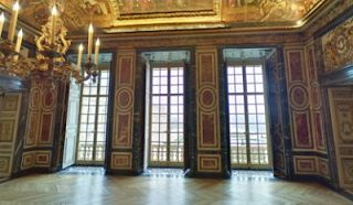 This is Versailles: Queen's Guards' Room