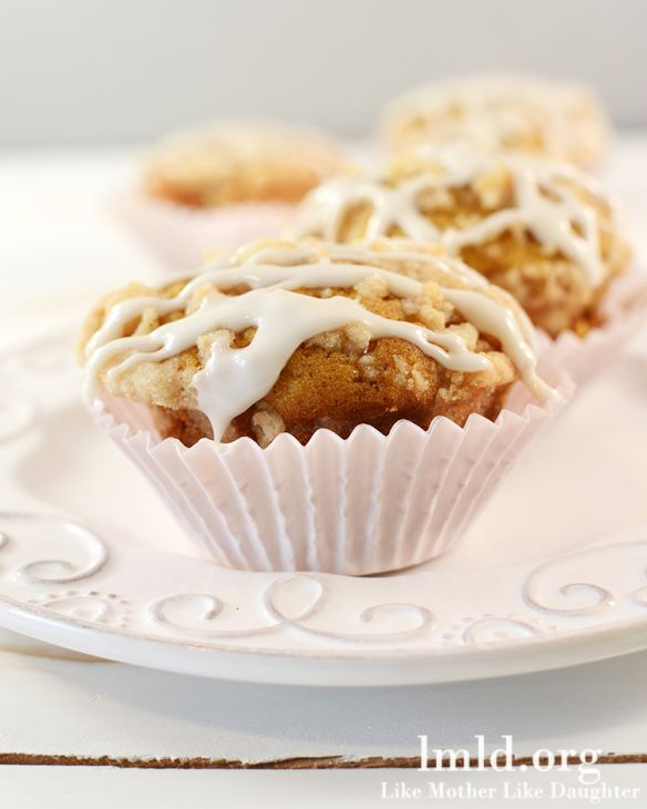 Pumpkin Muffins with Cinnamon Streusel Crumb Topping | Recipe