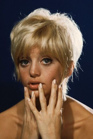 graduated hairstyles : Goldie Hawn hairstyle The most famous celebrity hairstyles Pinter ...