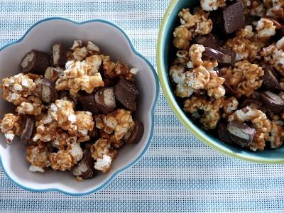 Caramel Twix Popcorn   Sweet tooth   Pinterest