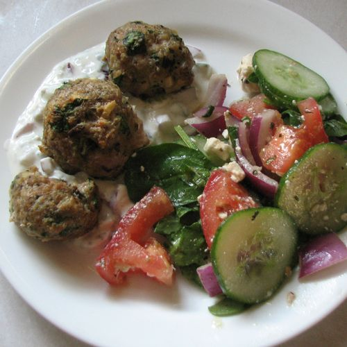 Greek Turkey Meatballs- planning to make this this week! They cook in ...