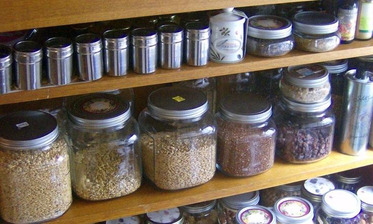 Mason jar kitchen storage home kitchen pinterest for Mason jar kitchen ideas