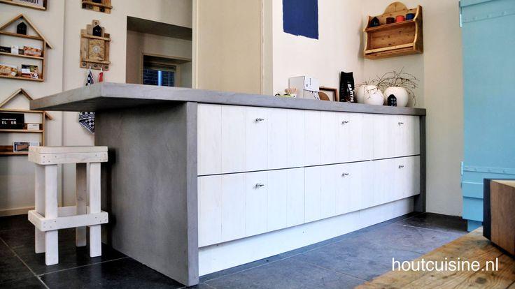 Steigerhouten Keuken Ikea : Steigerhouten keuken HoutCuisine met betonlook blad in Zwolle.