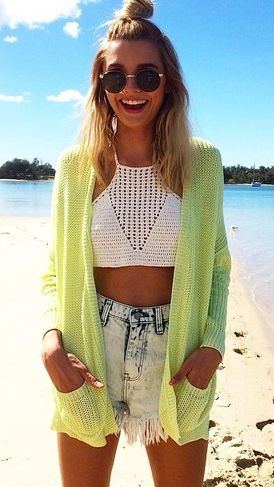 Cute & so Mai. High waist shorts, crop top. Cardigan. Day at the beach!