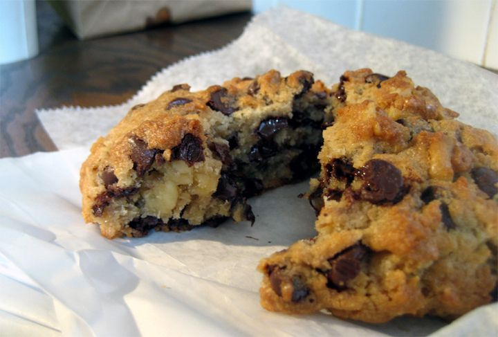 Double Tree Inn Chocolate Chip Cookie with oatmeal and walnuts! Sooooo ...