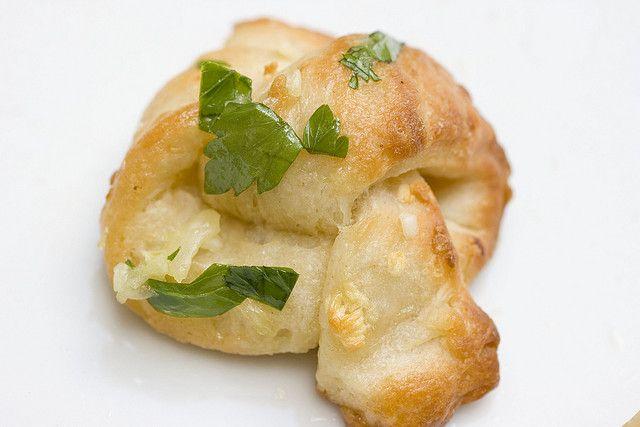 Garlic Knots | In the Kitchen | Pinterest