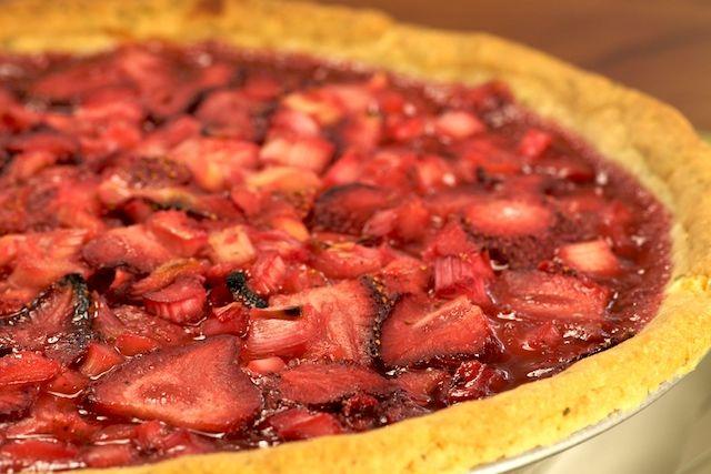 ... .org/wp-content/uploads/2008/03/strawberry_rhubarb_pie_again-1.jpg