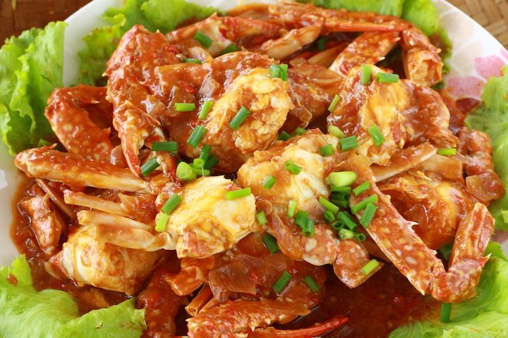 Malaysian chili crab recipe with flower crabs (aka blue crabs)