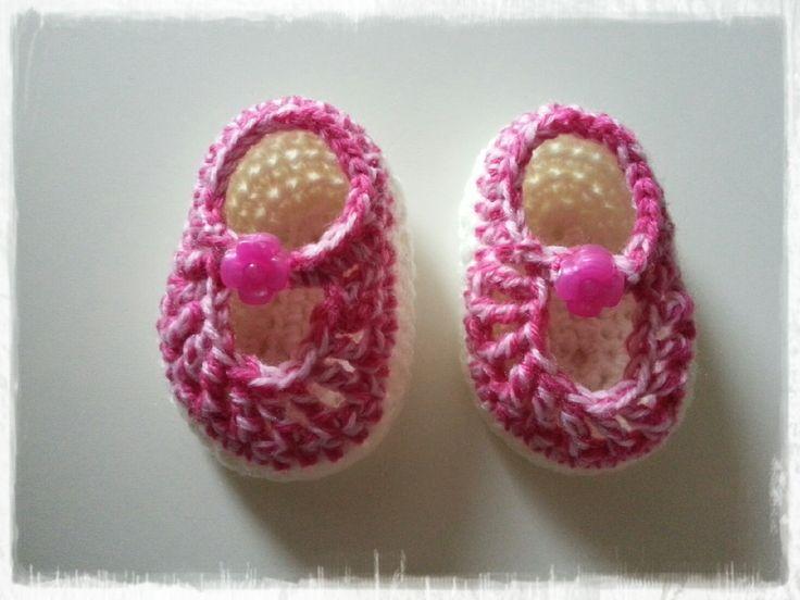 Babyschoentjes | Haken, eigen haakwerkjes | Pinterest