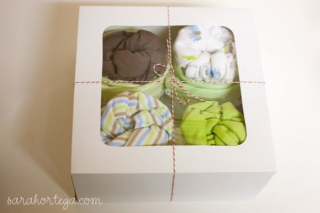 diy onesie cupcakes for baby gifts! <3
