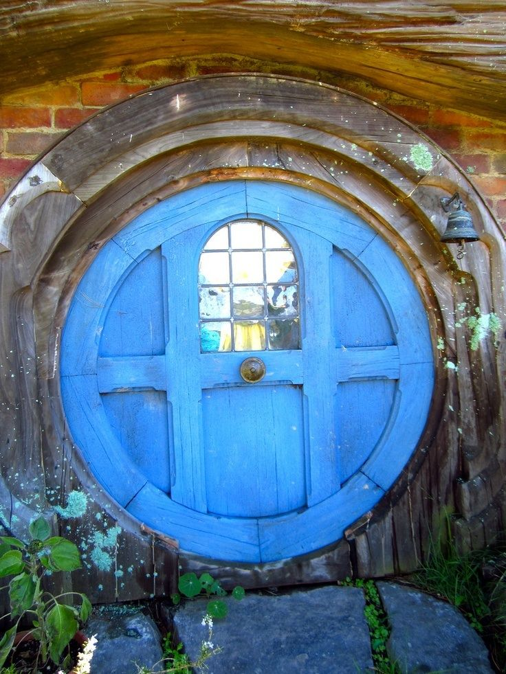 Blue hobbit door s same ouvre toi pinterest for Porte hobbit