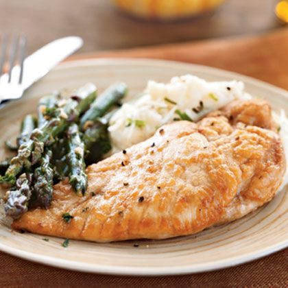 Chicken and Asparagus in White Wine Sauce (easy) #recipes #wine