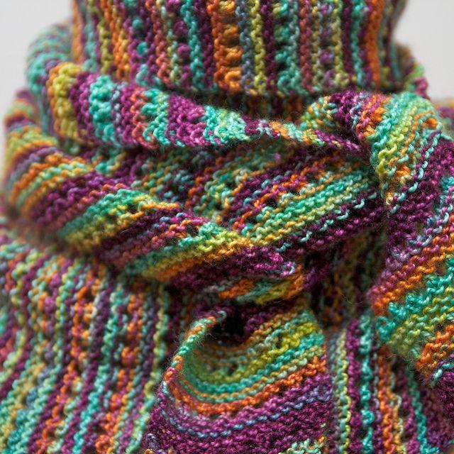 free lacey baktus pattern on ravelry.....noro sock yarn. Terhi ...