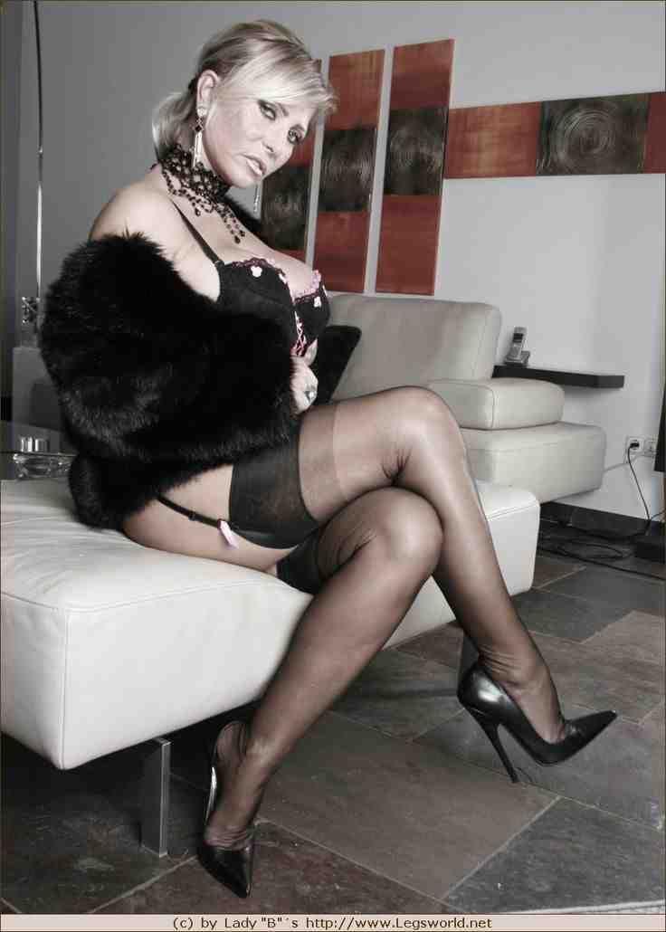 Amateur wife erotic massage