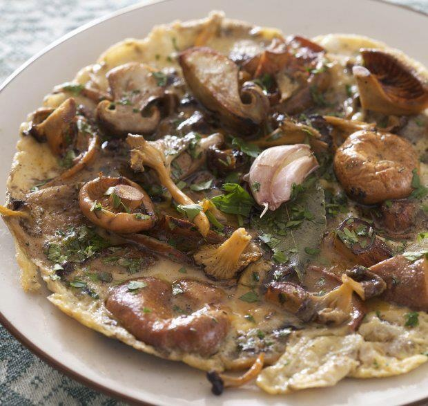 Rif Mountain Omelet with Wild Mushrooms | #EatClean | Pinterest