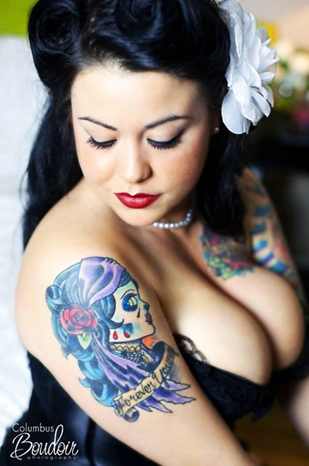 Photography columbus boudoir sexy curvy inked girl for Chubby tattooed girls