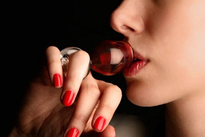Wine Glasses on your Fingertips