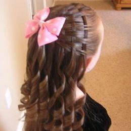 Peinados de comunion ideal para un tocado central