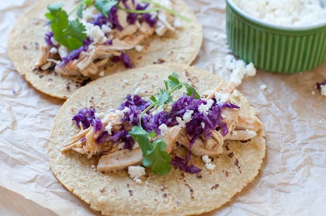 beer-braised chicken verde tacos | sOUthwEstErn | Pinterest