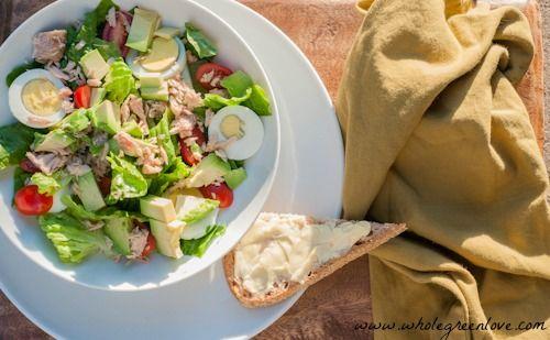 ... creamy salad / http://wholegreenlove.com/2013/03/30/tuna-avocado-salad